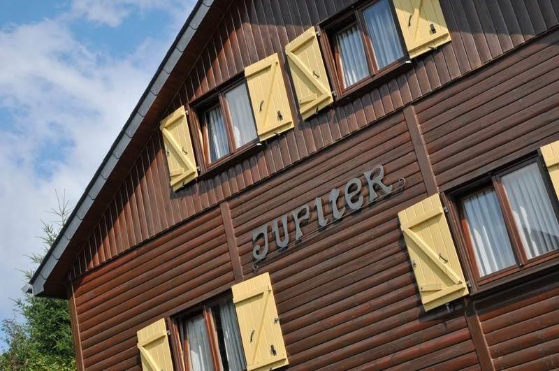 luxe 30 persoons groepsaccommodatie met sauna 12 slaapkamers bij la roche